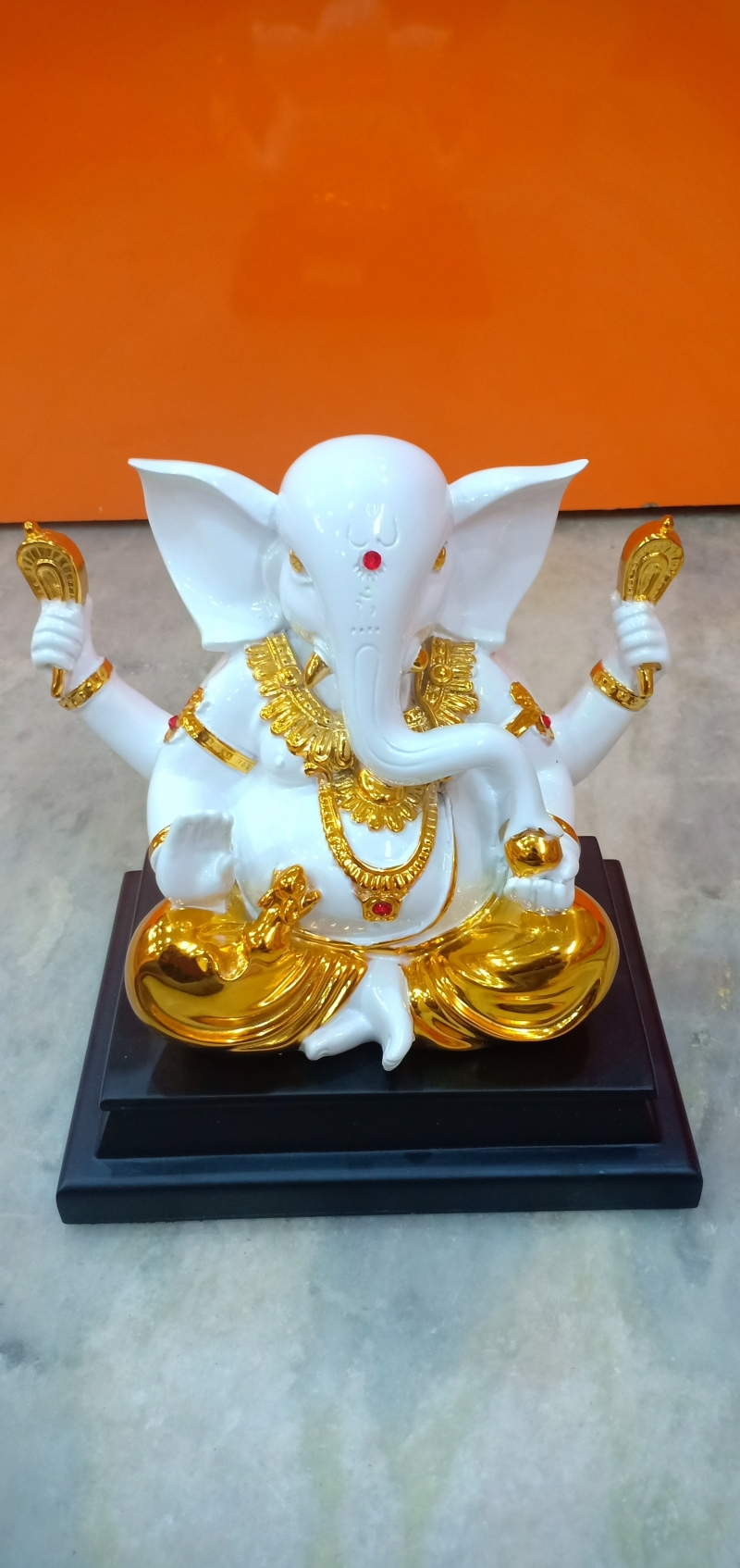 Buy Genuine Golden And White Ganesha Idols Polyresin Bring